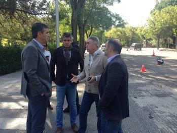 La renovación del asfalto de la calle Constitución ya avanza a buen ritmo