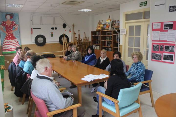 El Centro de Día de Cabanillas ofrece un taller de autoestima para mayores