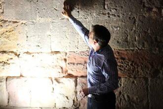 Las excavaciones en la Iglesia de Santiago descubren los restos arqueológicos más antiguos de Sigüenza