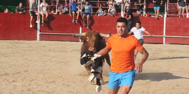 Encierro, caldereta y flamenco: La España más cañí cierra las fiestas de Cabanillas
