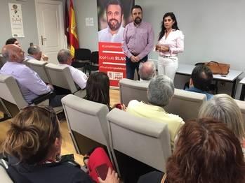Indirecta de Blanco a Page: 'Aquí no se venden sillones, en esta candidatura hay militantes, no clientes'