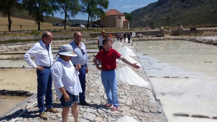 El presidente la de Diputación destaca la importancia de la explotación de las Salinas de San Juan