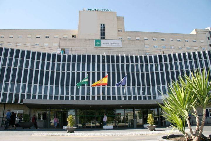 TRÁGICO ACCIDENTE : Una mujer que acababa de dar a luz muere aplastada por un ascensor en un hospital de Sevilla