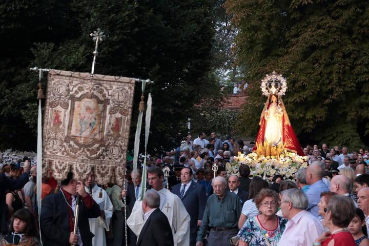 Guadalajara abarrota las calles con su patrona y Alcaldesa Perpetua la Virgen de la Antigua durante la procesión de su imagen