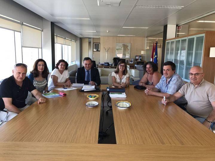 La Gerente del SESCAM se reúne con la Plataforma en Defensa de la Sanidad de Guadalajara