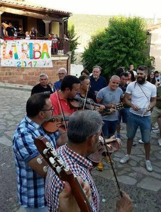Charla de José Antonio Alonso en Riba de Saelices sobre rondas tradicionales