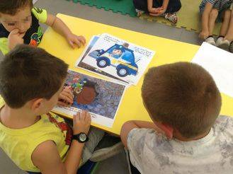 El archivo de Alovera visita la Escuela Infantil San Miguel Arcángel