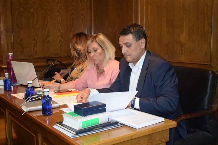 Ciudadanos Alovera logra el compromiso del Equipo de Gobierno para exigir el cumplimiento del contrato de parques y jardines