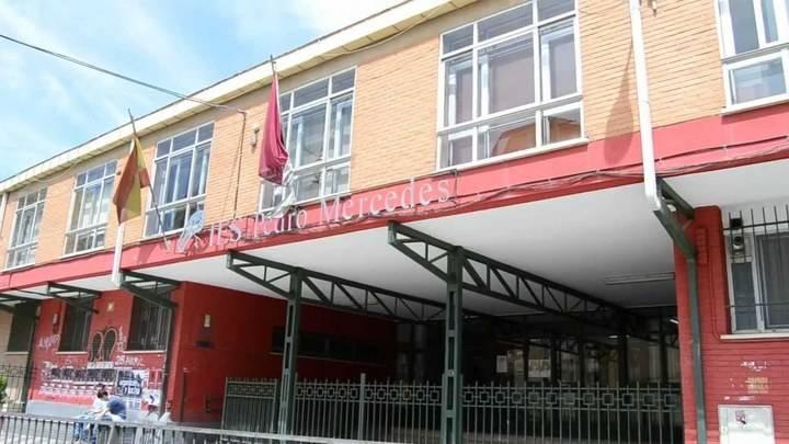 Clava unas tijeras en el cuello a su compañero en un instituto en Cuenca