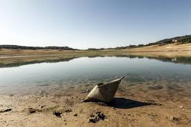 La Federación de Vela suspende su actividad en Entrepeñas por 'falta de agua'