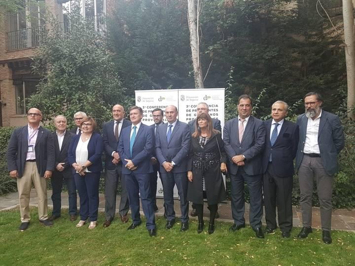 Latre asiste a la Conferencia de Presidentes Provinciales que tiene lugar en Segovia