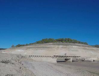 """Tremendo """"ZASCA"""" de los Ribereños al SCRATS ofreciendo los pantanos vacíos para su manifestación por la falta de agua"""