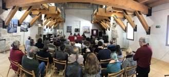 Raquel Fuentes presentó en Almonacid de Zorita su libro 'Voces del Pasado'