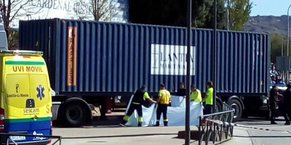 Muere una joven de 18 años atropellada por un camión en Cuatro Caminos de Guadalajara