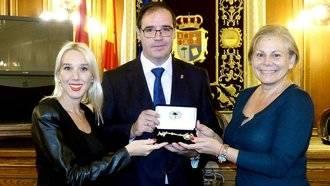 El ayuntamiento de Miami entrega la Llave de la Ciudad al presidente de Diputación de Cuenca