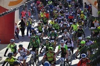 Más de 200 deportistas disfrutaron de la III Marcha MTB de Yebra