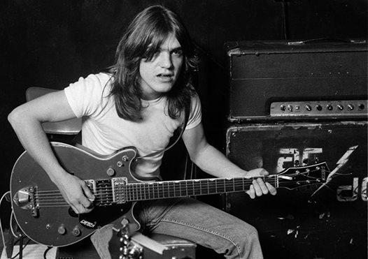 Muere a los 64 años Malcolm Young, guitarrista y cofundador del grupo de rock AC/DC
