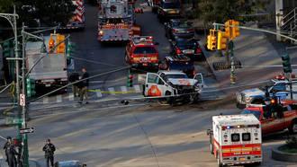 Ocho muertos y 15 heridos en un atropello en Nueva York al grito de