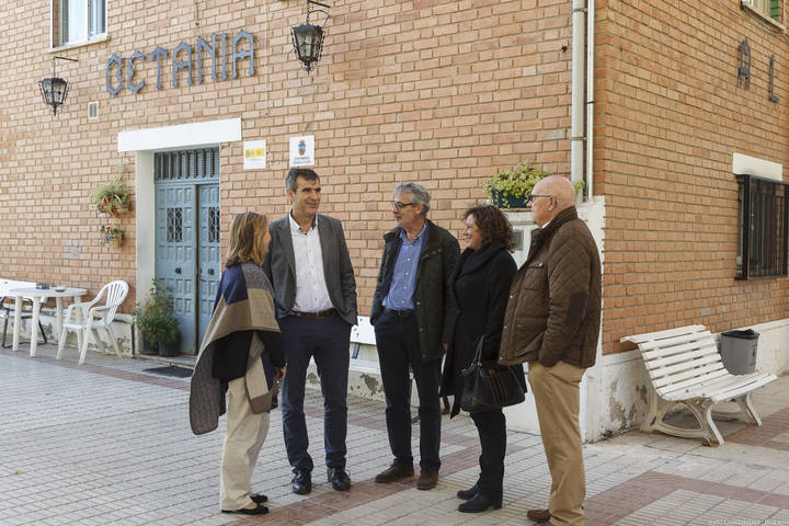 Román ratifica su apoyo a Cáritas en la gestión del albergue Betania