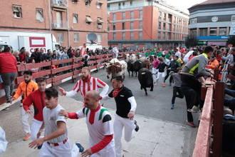 Un herido por asta de toro en un tercer multitudinario Encierro de Ferias de Guadalajara
