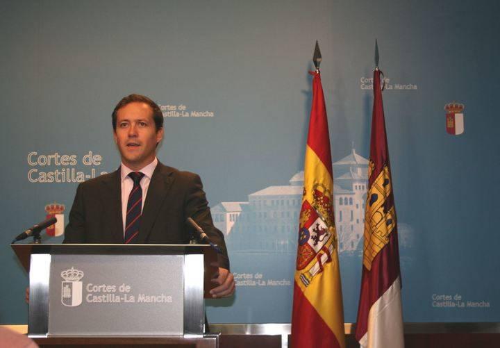 """""""Los presupuestos consolidan las mentiras y el maquillaje en Sanidad e incrementan los privilegios de Page y Podemos"""""""