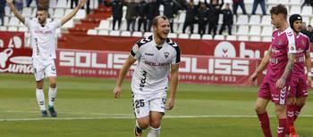 """El """"Alba"""" gana al Valladolid y sigue intratable en casa"""