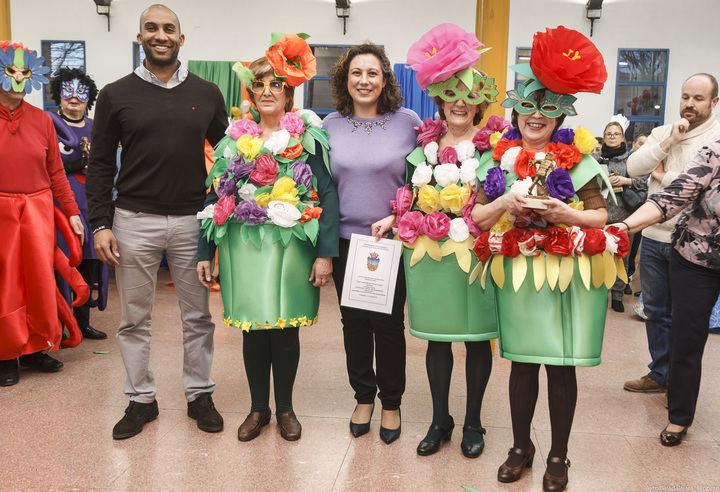 Gran ambiente, originalidad y buen humor en el concurso de disfraces de mayores de Guadalajara