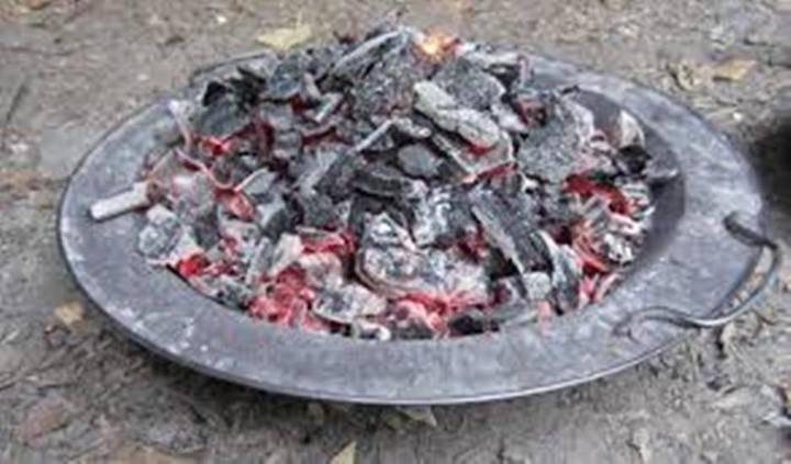 Dos personas mueren en el incendio de una vivienda en El Casar