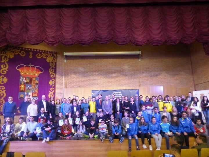 La Diputación entrega los premios de los ganadores de los Circuitos de Carreras Populares, de Montaña y de Menores