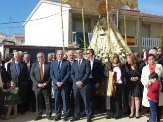 Latre asiste a las fiestas patronales de Mazuecos con su Soldadesca y botarga, de Interés Turístico