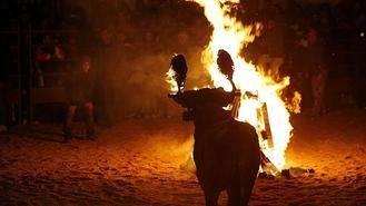 Homenaje en Soria al vecino de Jadraque que salvó a una joven antitaurina del toro de fuego