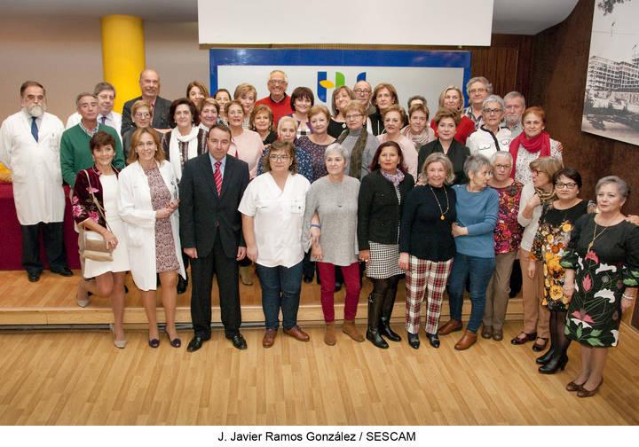 El Hospital de Guadalajara homenajea a los 44 profesionales que se han jubilado a lo largo de este año 2017