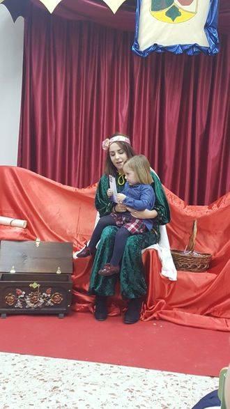 Los niños del Málaga del Fresno recibieron la visita del Paje Real