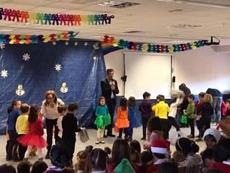 El alcalde felicita la Navidad a los alumnos y profesores del Colegio Público La Muñeca