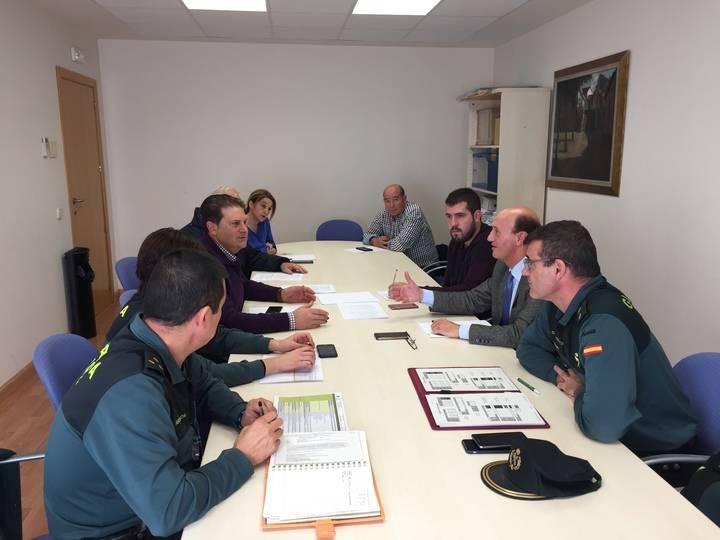 El subdelegado del Gobierno se reúne con los alcaldes de la demarcación del Cuartel de Yunquera de Henares