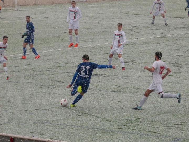 El Sporting Cabanillas se impone al Yunquera 2-1 en su feudo