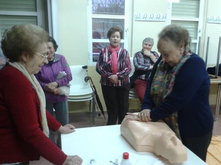 Protección Civil colabora en talleres de Primeros Auxilios para personas Mayores y Jubiladas