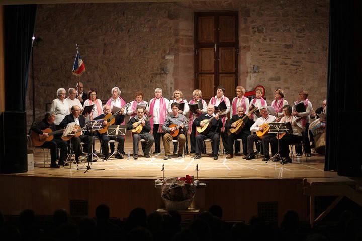 La Rondalla Seguntina recuerda a Pepe Cerezo el día de su Concierto de Navidad