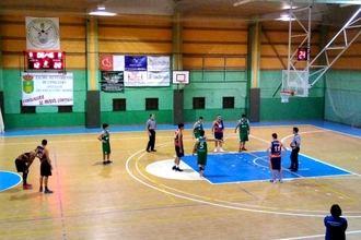 JUPER Basket Yunquera comienza la segunda vuelta con una amplia victoria en su visita a Consuegra