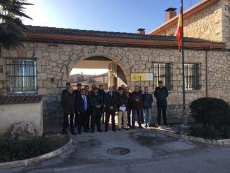 El subdelegado del Gobierno en Guadalajara se reúne con los representantes municipales de la demarcación del cuartel de Torija