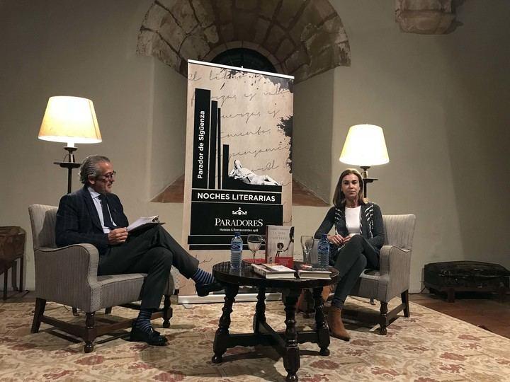 """Carmen Posadas: """"De Sigüenza sale un cuento, seguro"""""""