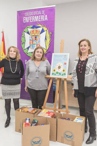 El Colegio de Enfermería recoge más de 130 kilos de alimentos para las familias desfavorecidas