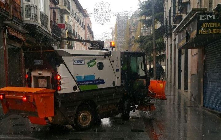 Activado el dispositivo municipal de actuación ante la nieve que cae sobre Guadalajara