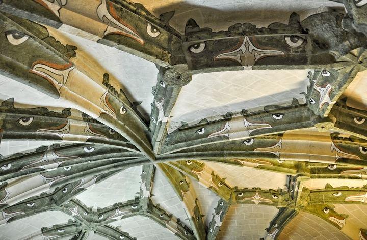La simbología del dragón en la iglesia de San Francisco, detalle monumental de marzo