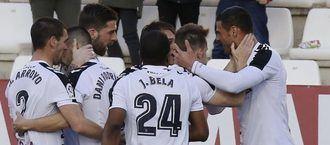 El Alba demuestra que sabe ganar con cabeza y con el cabezazo de Aridane Santana