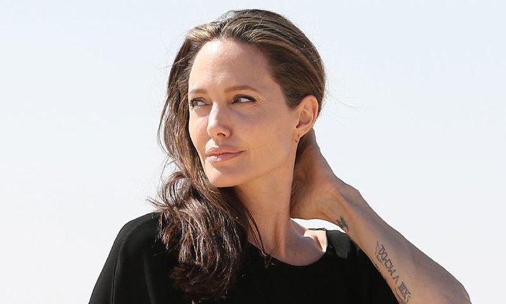 ¡HOLA! Angelina Jolie: 'No está interesada en salir con nadie'