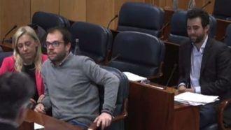 Esto es lo que hay en la Asamblea de Madrid, un diputado del PSOE a otro de Podemos: