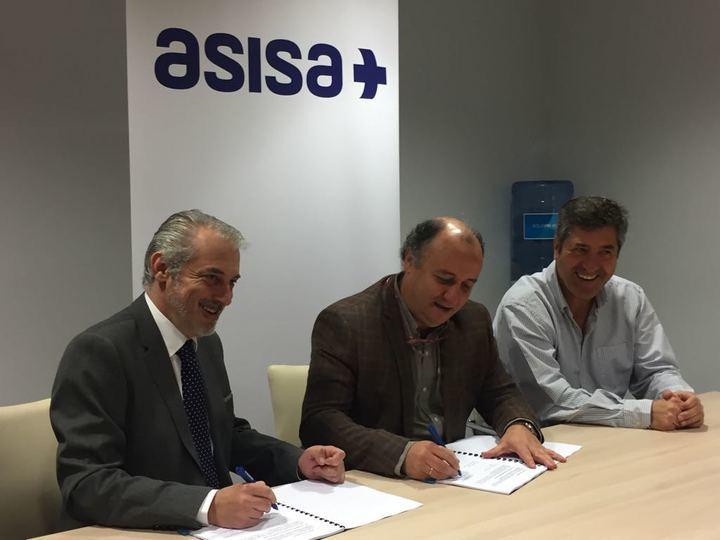 ASISA y Hogar Alcarreño firman un acuerdo de colaboración