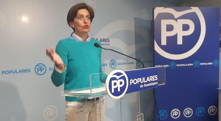 """Ana González acusa a Page de """"dejar en la estacada"""" a los agricultores de 22 pueblos de Guadalajara ante la plaga de conejos"""