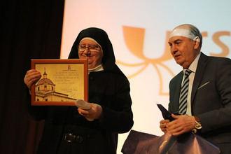 El Ministerio de Educación concede a las Ursulinas de Sigüenza en ingreso en la Orden Civil de Alfonso X El Sabio